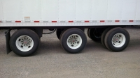 NEW GREAT DANE EVEREST TRIDEM FLAT FLOOR SWING AND ROLL UP DOOR REEFER TRAILERS 4