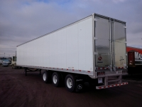 NEW GREAT DANE EVEREST TRIDEM FLAT FLOOR SWING AND ROLL UP DOOR REEFER TRAILERS 1