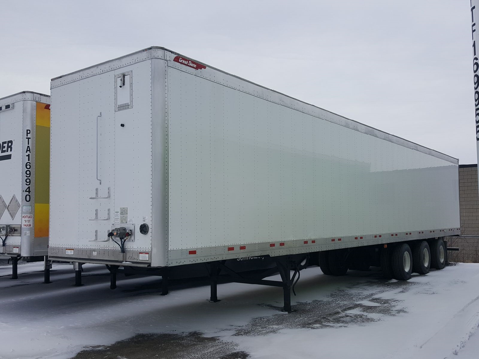 2021 GREAT DANE CHAMPION CS1 LOGISTIC TRIDEM SWING DOOR VAN TRAILERS